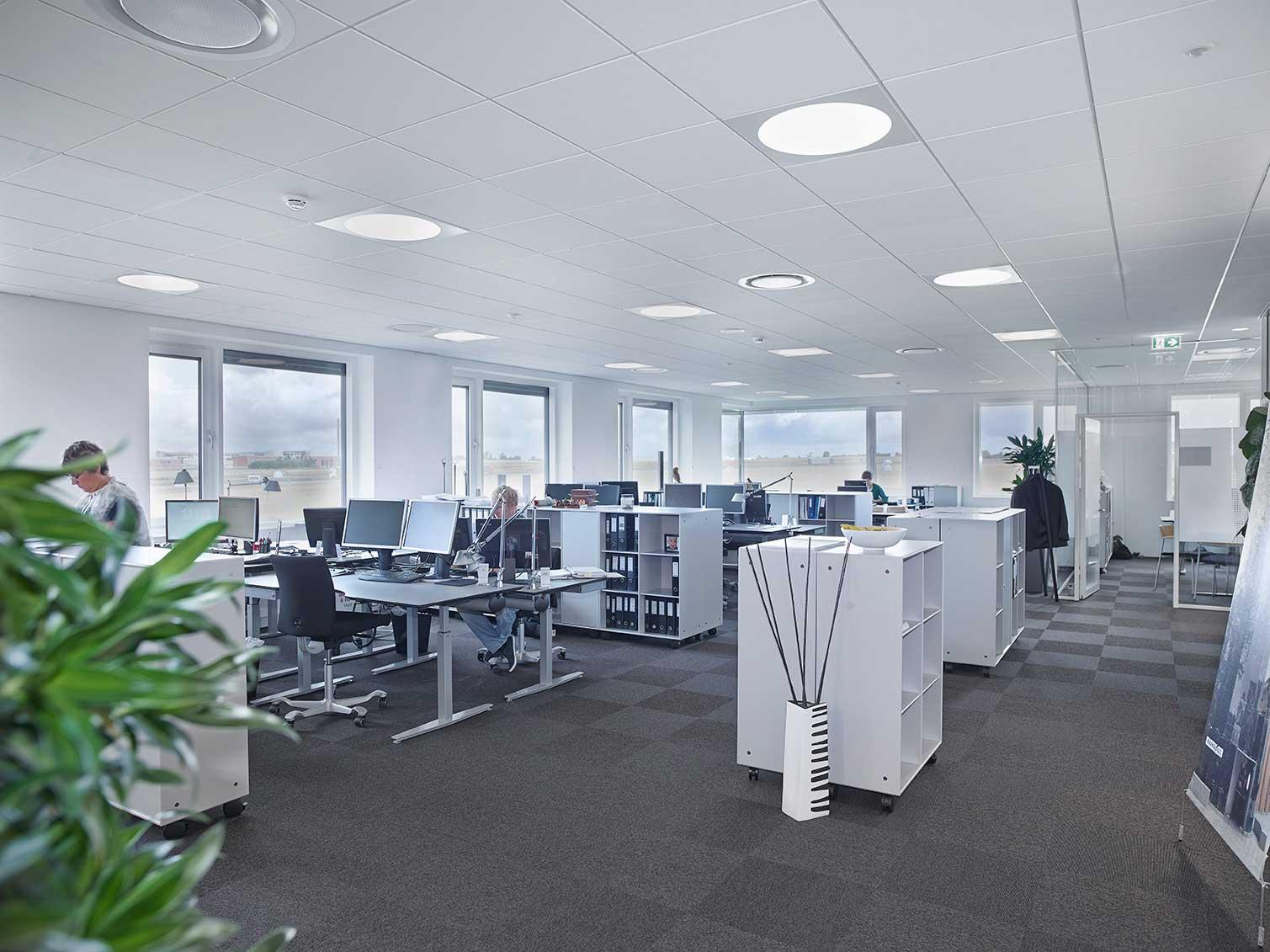 Ledgo Circle 595 LED panel lampe, indbygget i åbent kontorlandskab - Luminex