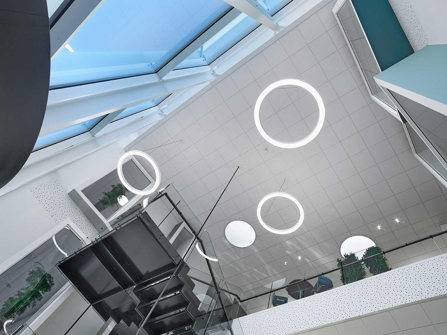 Ringo Star 100mm G1/P1 cirkulær pendel lampe nedhængt fra loft i storrum/foyer - Luminex