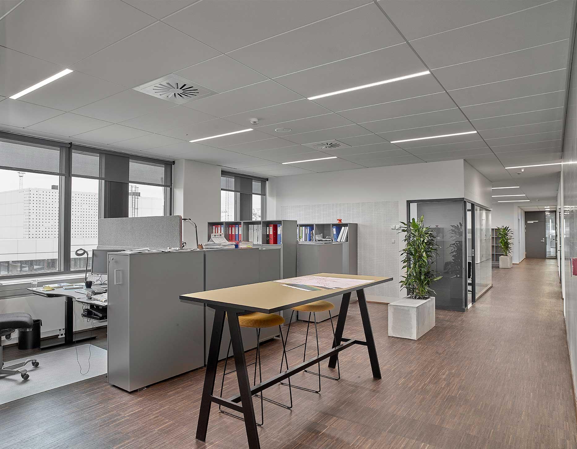 Matric Recessed Frameless M1 lampe indbygget i loftet ved de åbne kontorer og gang arealer - Luminex