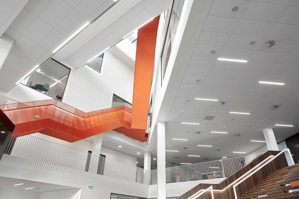 Matric Recessed Frameless M1 lampe indbygget i loftet ved fællesområder og trapper - Luminex