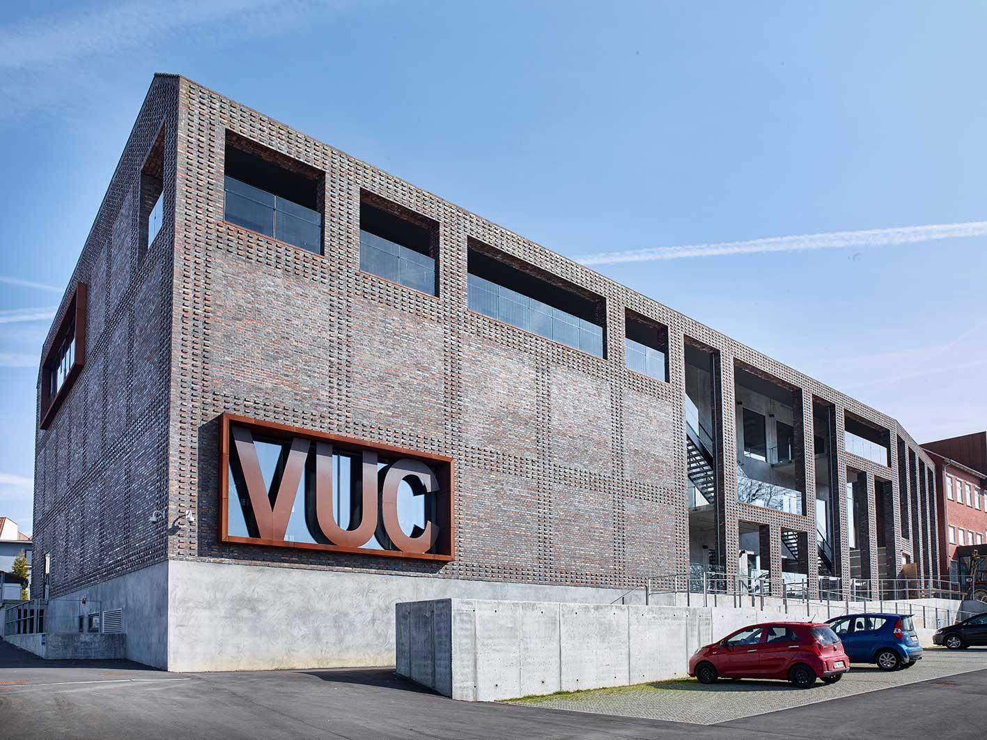 VUC Aabenraa facade - Luminex