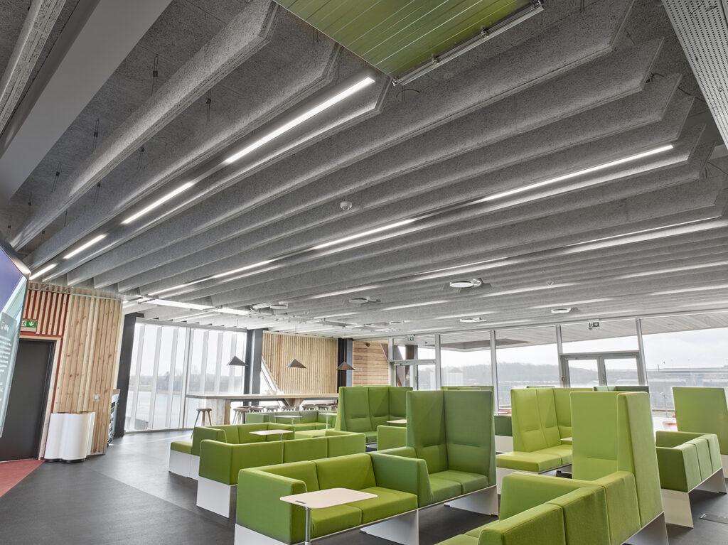 VUC Flow Factory i Haderslev, Indbygget i loft Matric 55mm Surface A3 i læsesal