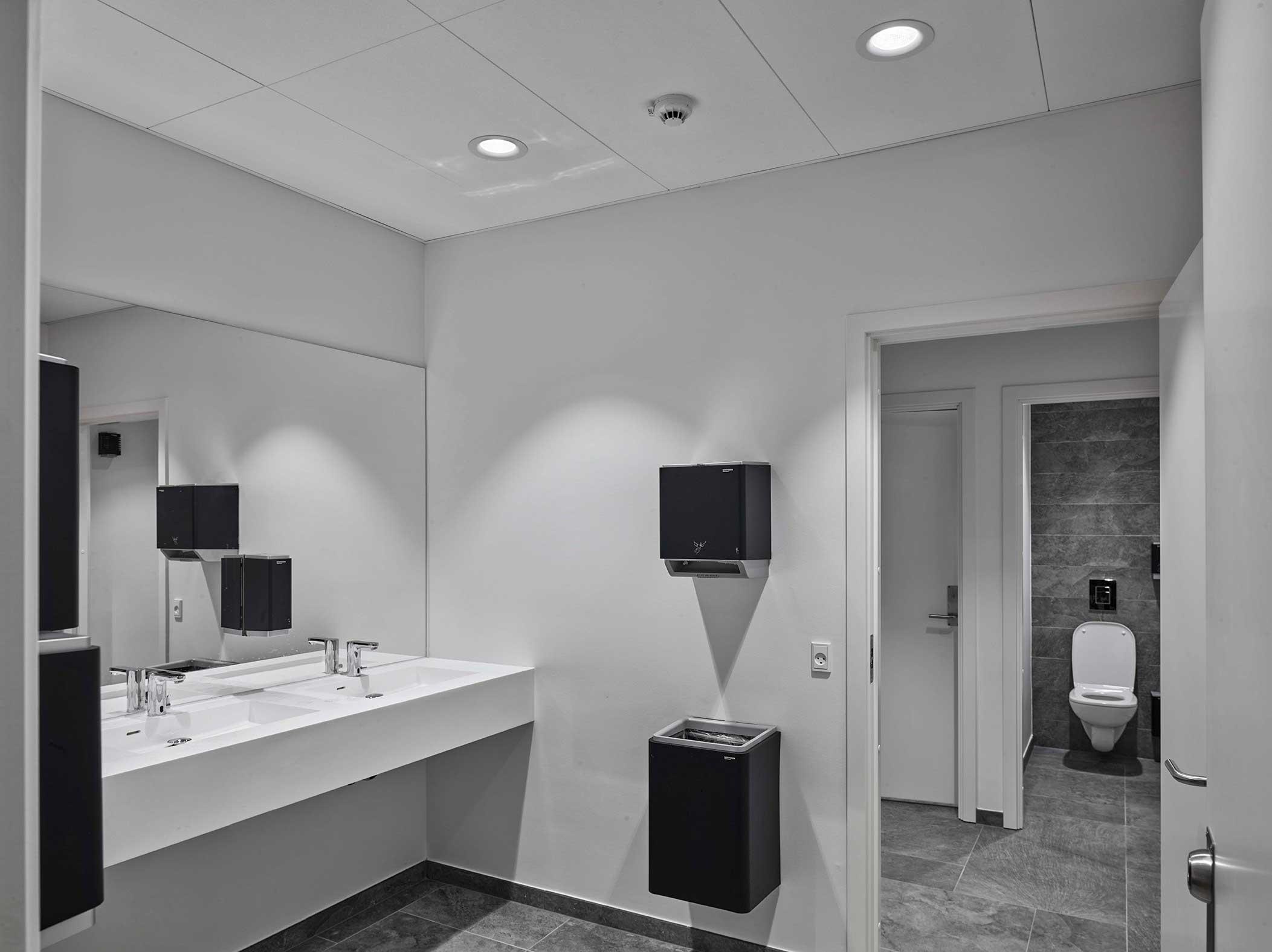Hotel Alsik i Sønderborg Indbygget i loft Linia DS-F 150 på toiletterne