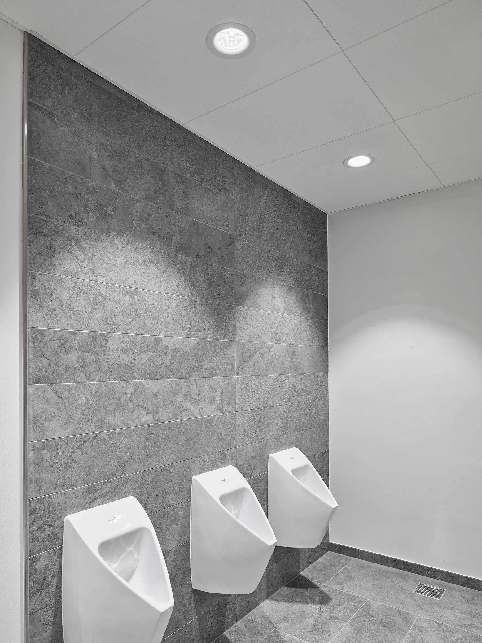Hotel Alsik i Sønderborg Indbygget i loft Linia DS-F 150 på toiletter