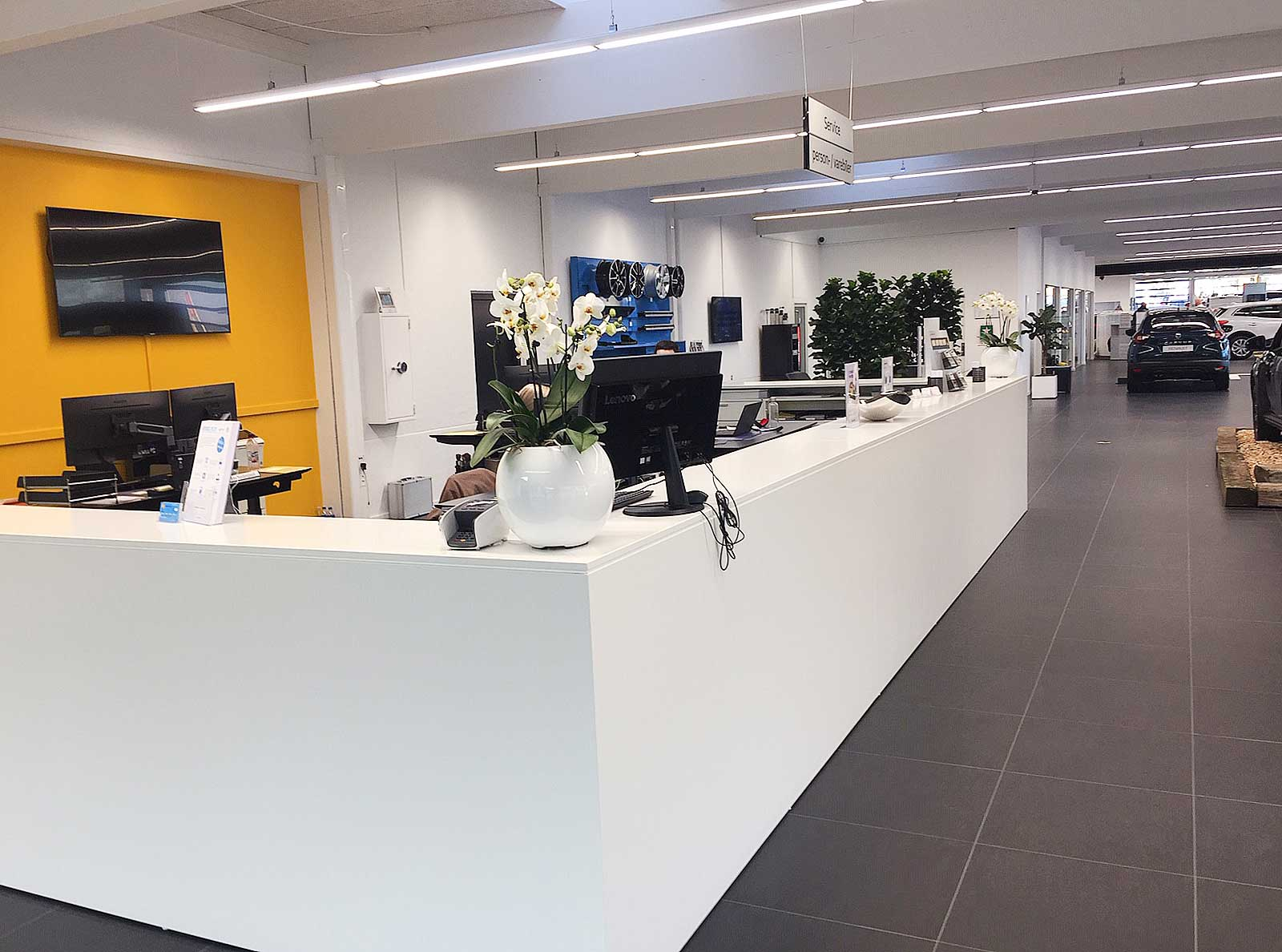 Renault i Tilst, Administration belysning LINIA i skinnesystem