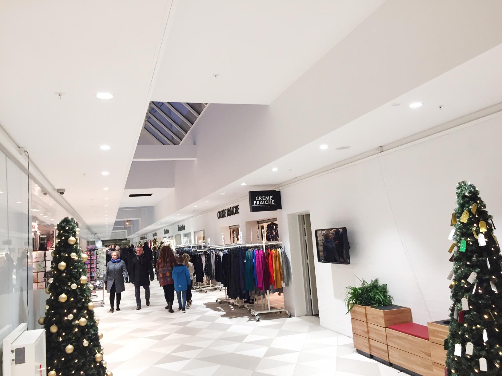 Nørreport centeret i Holstebro Linea DS-FS 120 downlight indbygget i loft ved butikkerne