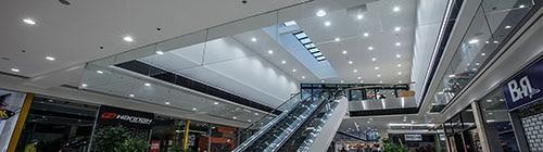 Linea 1 monteret i loft i storcenter - Luminex